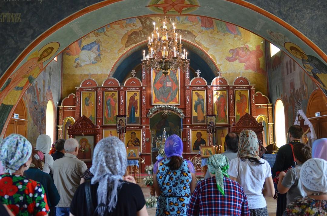 В храме в честь Святой Живоначальной Троицы